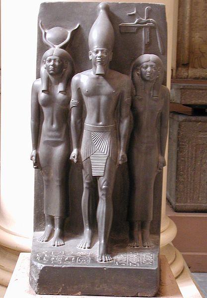 Mykerinos mit Göttin Hathor zu seiner linken (c) Gerard Du