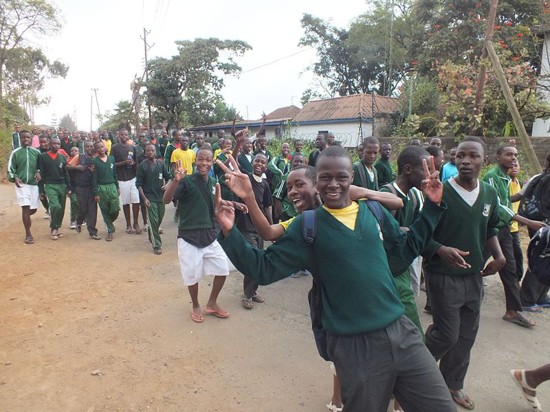 Hochschüler in Upper Hill in Nairobi (c) Orrling