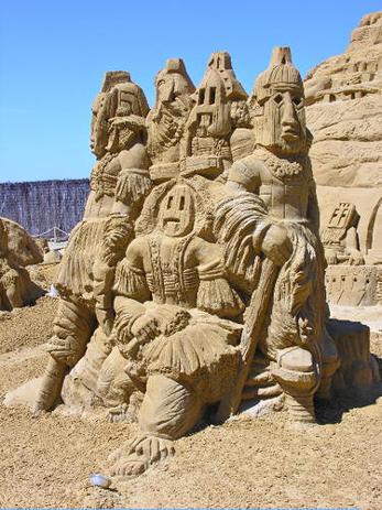 Skultpuren der Dogon (c) wikistikes