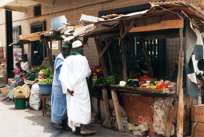 Einkaufsstrasse in Dakar, Senegal